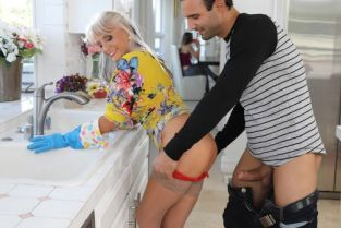 Alex Legend, Sally D'Angelo Can You Help My Mom? [Best of Brazzers]