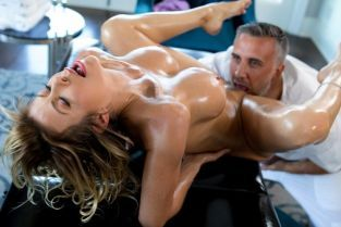 Alexis Fawx, Keiran Lee A Treat For Her Feet [Best of Brazzers]