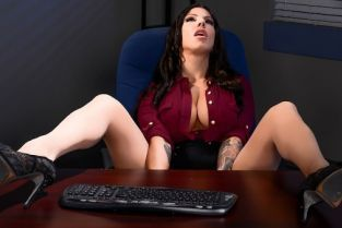 Sean Lawless, Lylith Lavey Overtime Tits [Best of Brazzers]