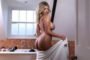Danny D, Anna Bailey Getting The Shot [Best of Brazzers]