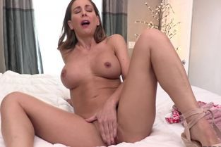 BadDaddyPOV - Cherie Deville Begs For Your Cum